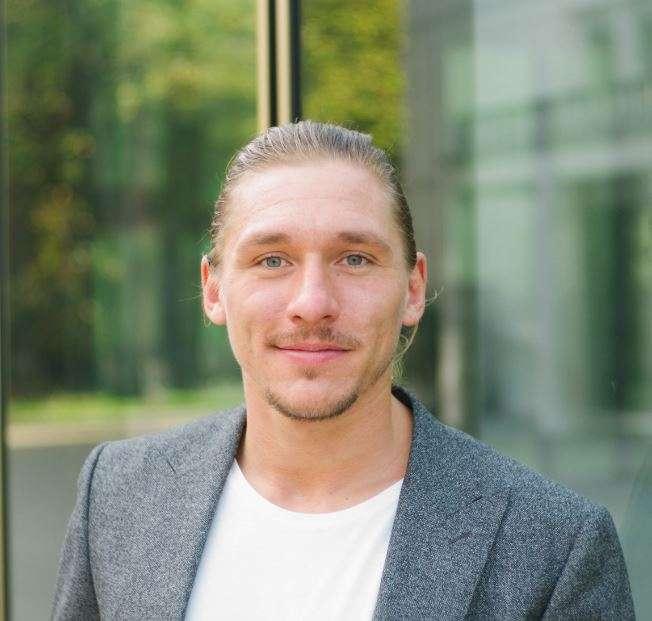Adrian Bluhmky